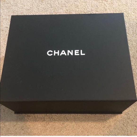 Chanel box Medium size